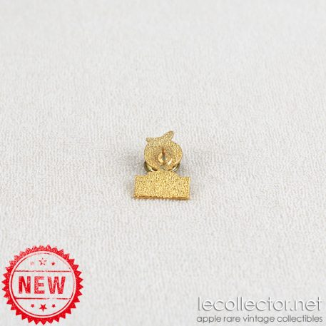 Microsoft makes the Macintosh go round lapel pin