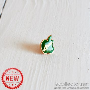 green variant apple computer lapel pin very rare