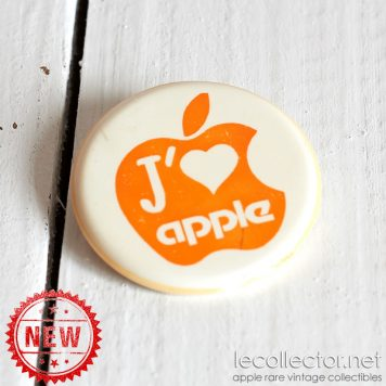 Vintage french plastic orange badge J'aime Apple by Decat Paris