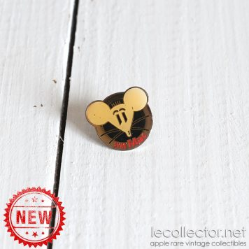 Funny mouse SVM Mac 90's magazine Apple computer lapel pin